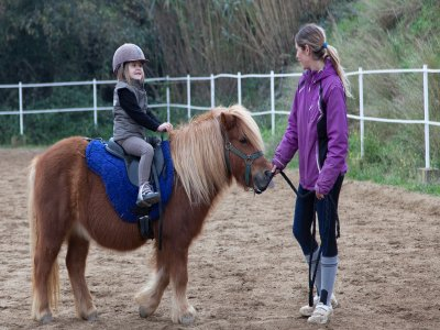 30 minutes pony ride tour for kids in Òrrius