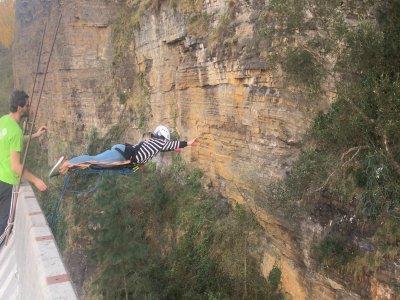 Saut à l'élastique à Ondarroa Vizcaya à 40 mètres