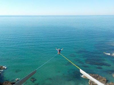 Salto de puenting en Ondarroa Vizcaya 40 metros