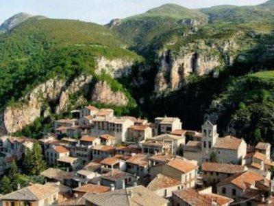 路线Castellar N'Hug和学校来源Llobregat