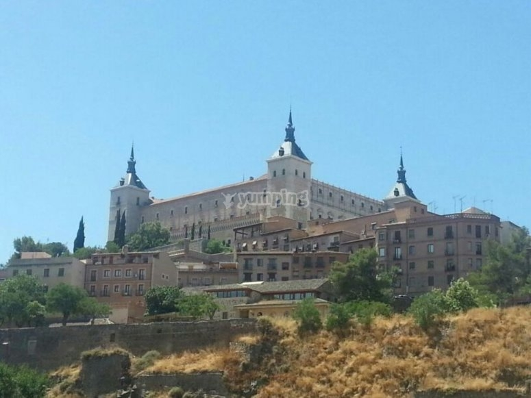 Toledo bajo el sol del dia