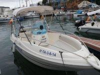 Astro barca in servizio di noleggio