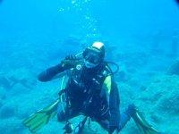 在Costa de la Luz成人海中潜水的洗礼