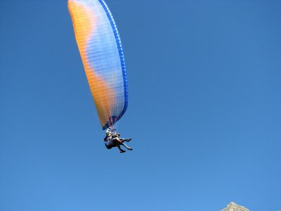 Special for couples: paragliding in Organyà