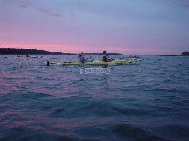 navegando en kayak