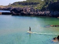 Navegar en tabla de surf eléctrica en Benalmádena