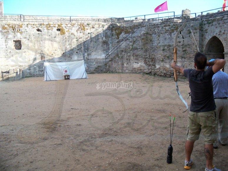 tiro con l'arco nella fortezza
