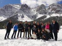 巴塞罗那团体下雪天