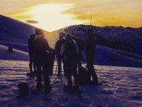 巴塞罗那练习雪靴的白雪皑皑的日落