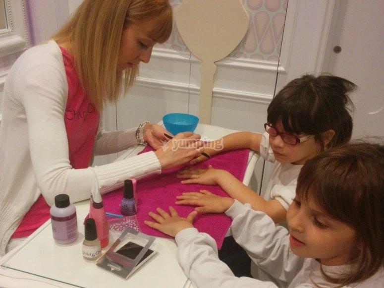 Manicure session