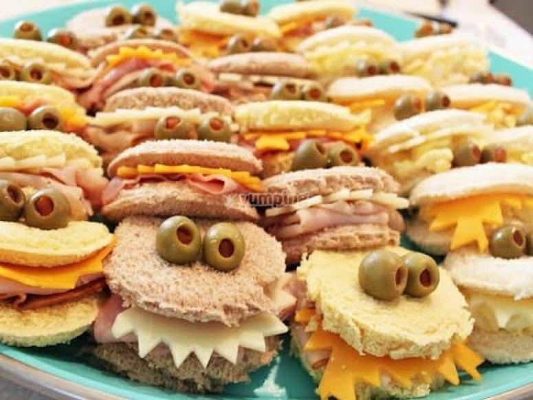 怪异三明治