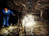 贝尔格达(Berguedà)的洞穴探险