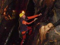 Espeleologia en el interior de la cueva