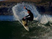 Ricky Carrasco es monitor y coordinador de Escuela de Surf Arenillas.