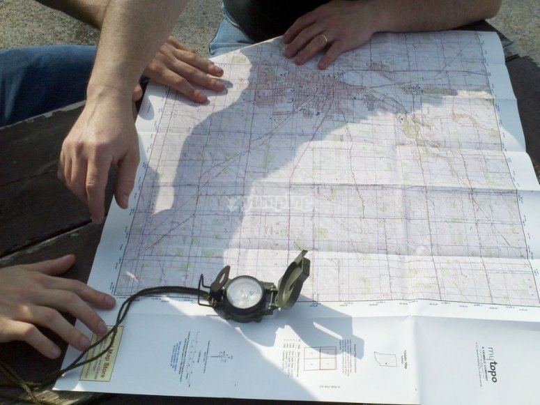 Utilizando mapa y brujula