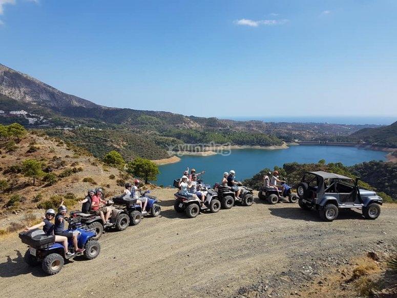 Camino de tierra en quad biplaza Málaga
