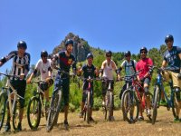 Family trip by bike in Sierra de las Nieves