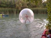 在阿兰胡埃斯装载水上运动和射箭