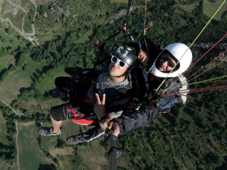 Two seater paraglider in Liri