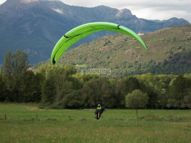 Taking off from a paraglider in Liri