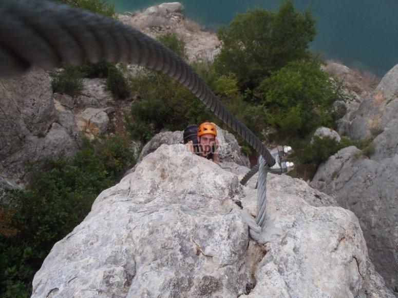 escalando en piedra