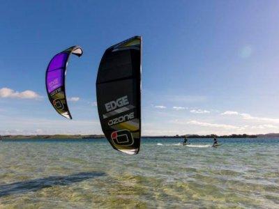 在瓦伦西亚学习廉价的风筝冲浪