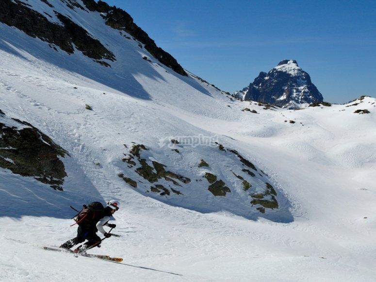 Esquí de montaña en Astún