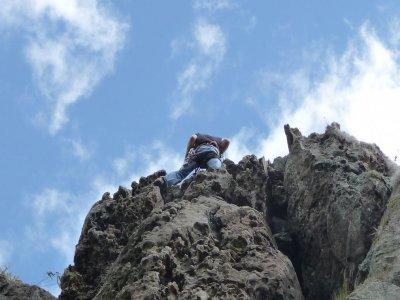 在Alange攀登和沿绳下降2个小时