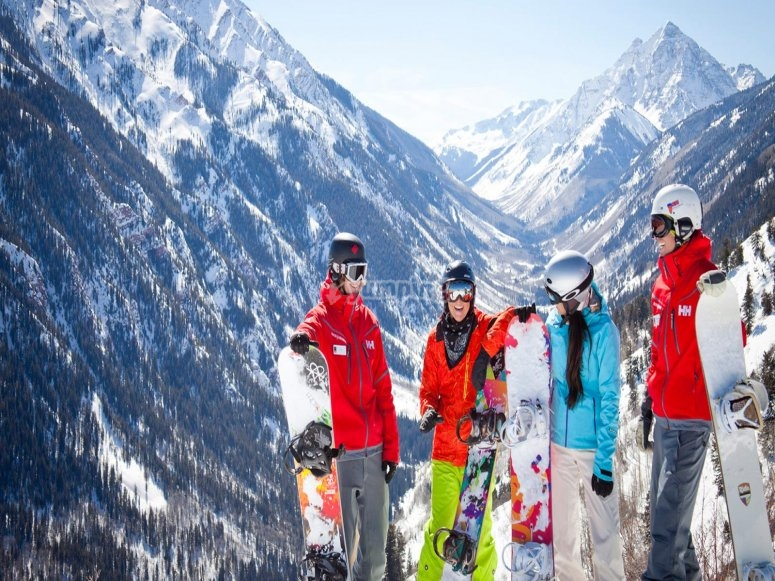 Skiing in Jaca