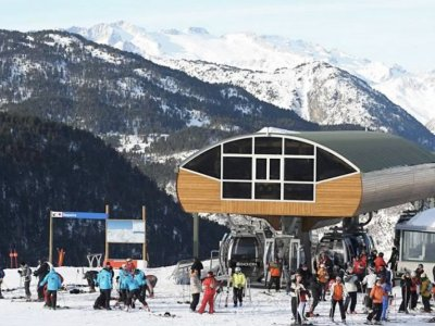 Snowboarding Course for Kids in Baqueira