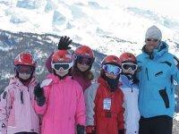 在Baqueira的滑雪板年轻2天