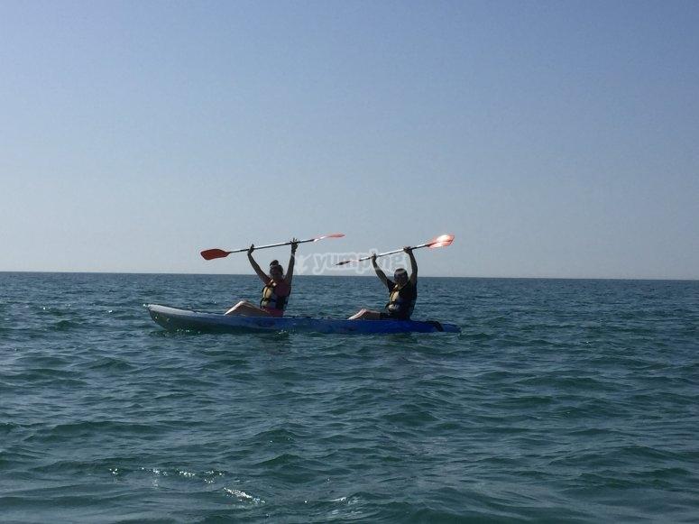Sal a navegar por Tamarit en kayak