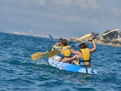 Tour di 1 giorno in kayak da mare nel Mediterraneo