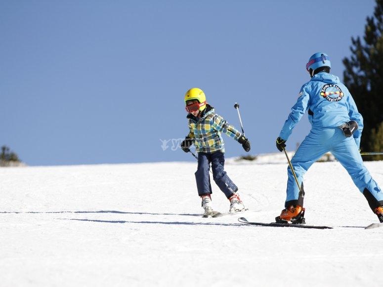 Skiers in Port del Comte