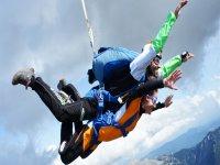Oferta Paraca�dismo fotos o v�deo especial parejas