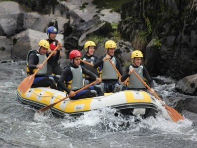 Rafting lungo il fiume Ulloa con foto gratuite