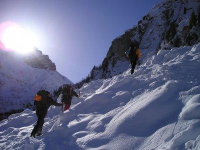 Raquetas de nieve en Posada de Valdeón iniciación