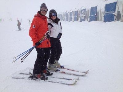 学习在Valdesquí滑雪