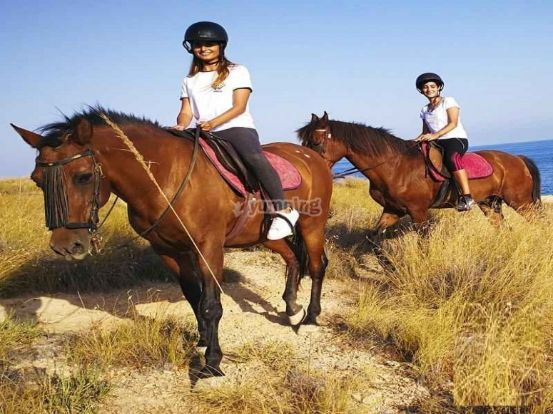 Clase de equitación por la costa alicantina