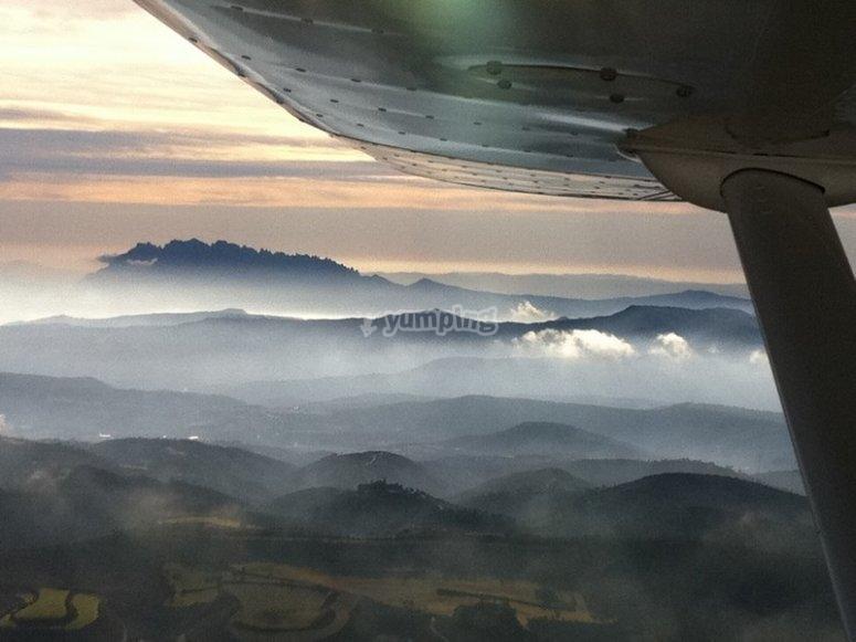 Volo accanto a Montserrat