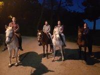 Travesía nocturna a caballo con amigos en Galicia