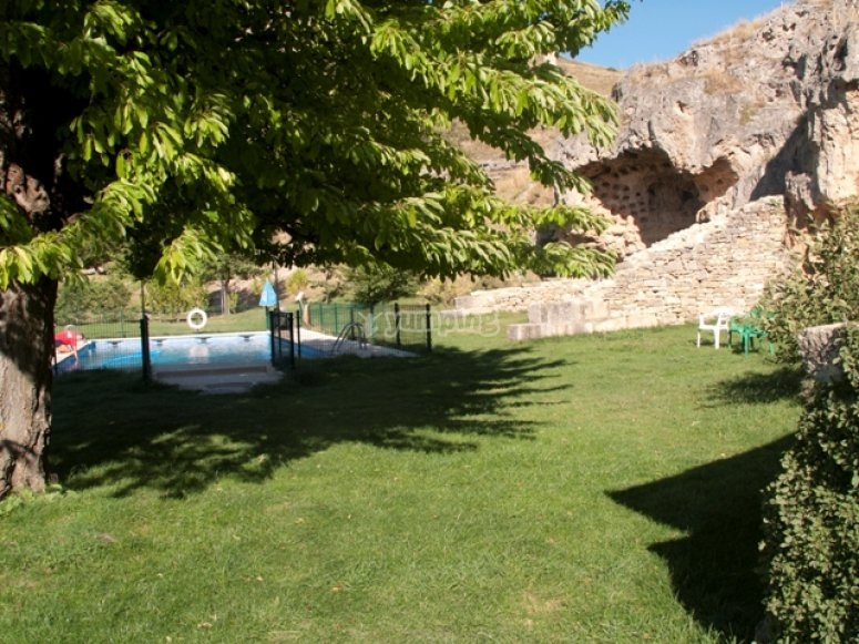 Prato e piscina