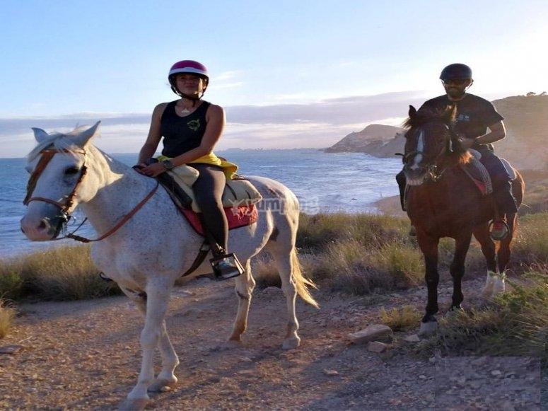 Ruta a caballo por la playa en Alicante