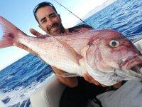 在特内里费岛鲷鱼钓鱼