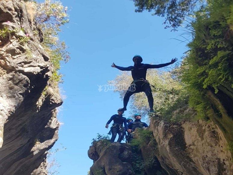 Pratica canyoning in Costa del Sol