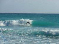 langre波冲浪在barbares冲浪板