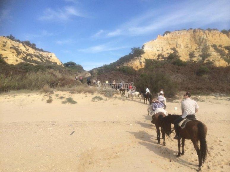 A caballo rumbo a las dunas