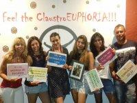 Foto de grupo con los carteles