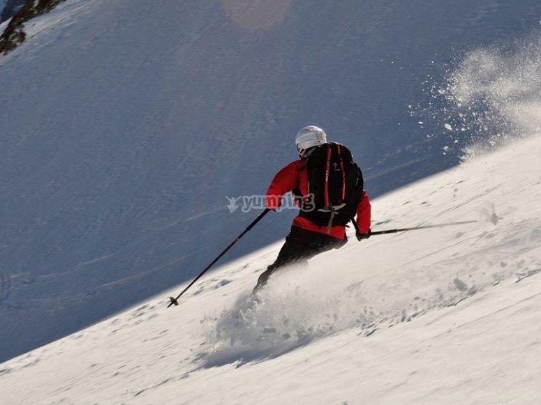 Ski descend