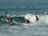 practicar surf en zarauz